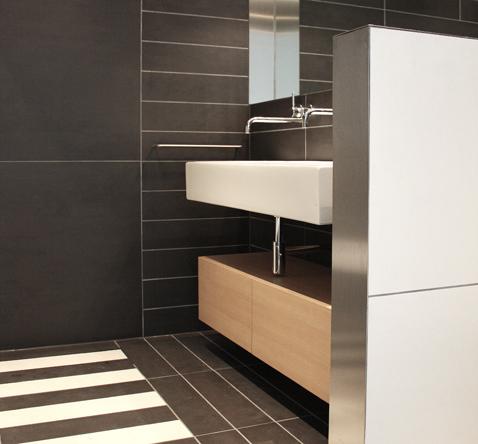 badkamer grote tegel interieurarchitect