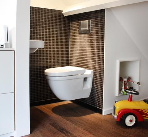 extra toiletruimte zolder logeerkamer