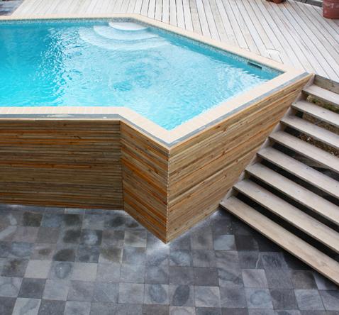 bekleding zwembad curacao vlonder en trap