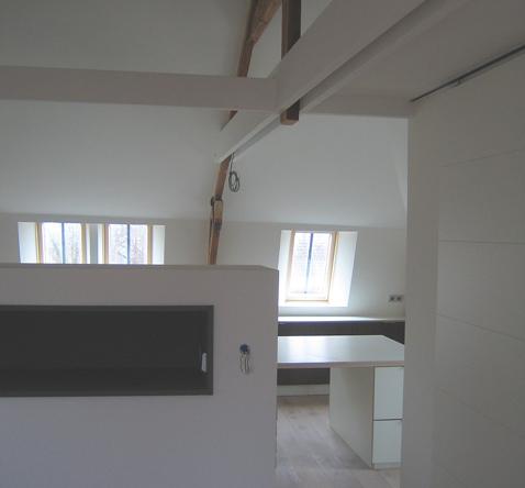 verbouwing zolder tot logeerruimte en werkkamer
